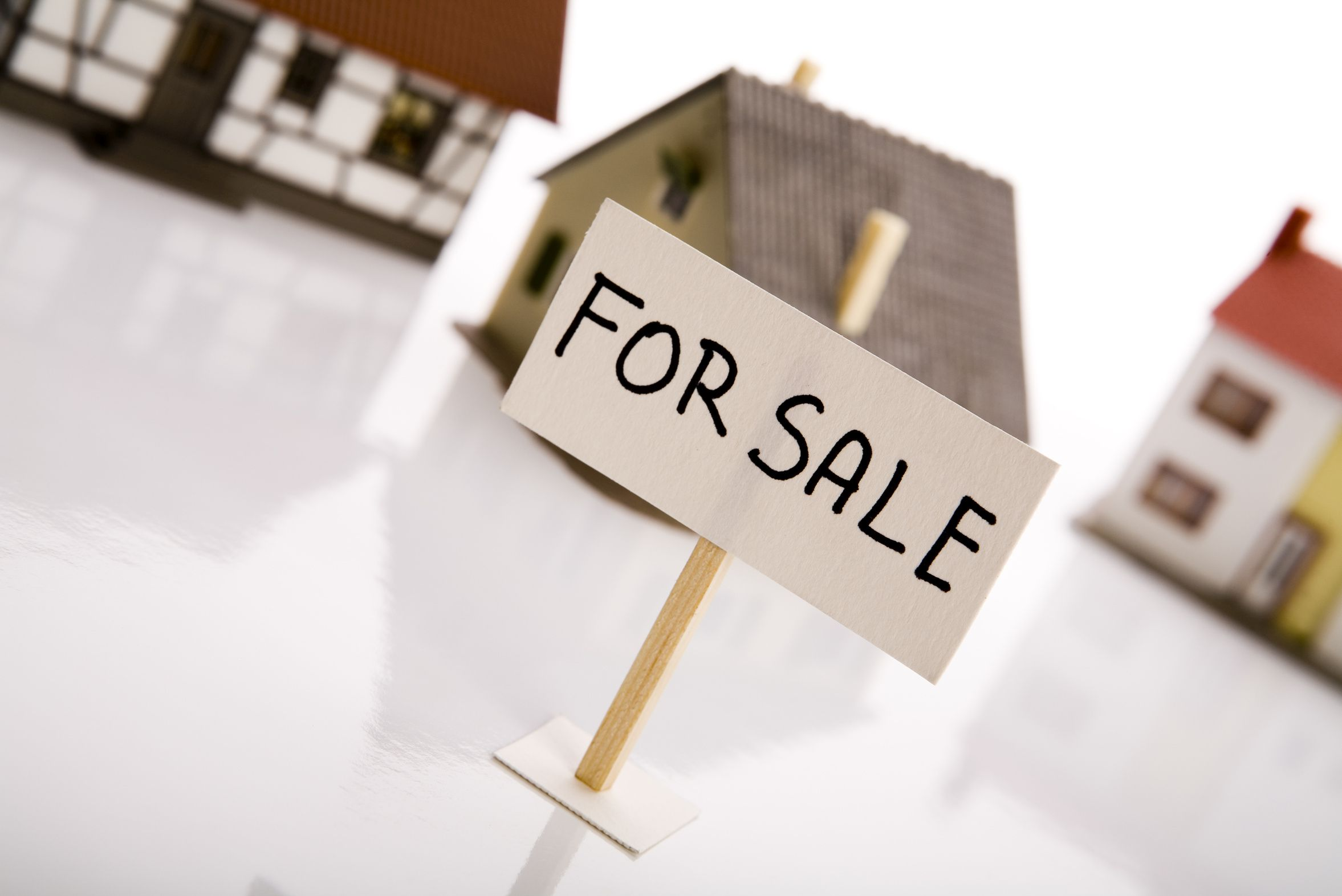 Shopping for a Dwelling Guarantee – A Sport Between Threat Vs. Reward & Worth Vs. Price