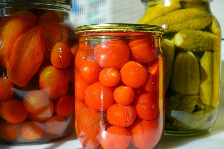 4 Kitchen Cabinet Storage Tips and Tricks